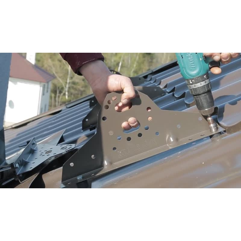 Монтаж снегозадержателей на металочерепицу